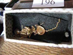 Box of gold jewellery