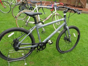 Lot 25 - Grey Dahon MTB - Sold for £100