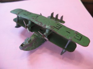 Lot 78 - 1936-41 Dinky Toy 4 Engined Flying Boat - Sold for £45
