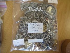 Lot 91 - Bag of Art Deco Costume Jewellery - Sold £42