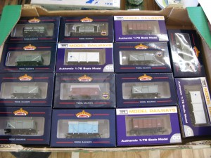 Lot 43 - Collection of 14 Bachmann model railway 1:78 scale rolling stock - Sold for £65