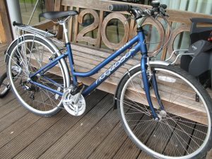 Lot B - Ridgeback Ladies Town Bike - Sold for £100