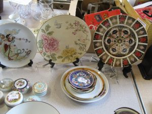 Lot 163 - Eight Plates - Sold for £40