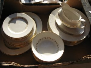 Lot 3 - Dinner service - Sold for £30