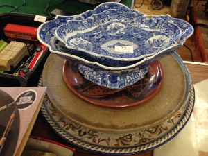 Lot 22 - Collection of blue and white china with studio pottery - Sold for £80