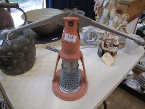 Lot 128 - Feame Baby Espresso Maker - Sold for £40