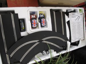 Lot 512 - Mini Cooper Scalextric set - Sold for £35