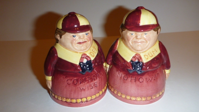 "Royal Doulton -""Tweedle Dum and Tweedle Dee"" Cruet Set, New and Unused in original box (A very scarce and collectable set from 1998)"