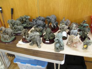 Lot 257 - Twenty elephants - Sold for £35
