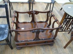 Lot 252 - Carved Canterbury - £120