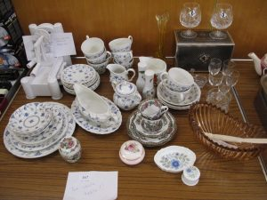 Lot 167 - Edinburgh Crystal, Yyott Finlandia, misc ceramics and glass - Sold for £60