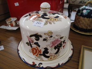 Lot 297 - Large Masons Cheese dome - Sold for £40