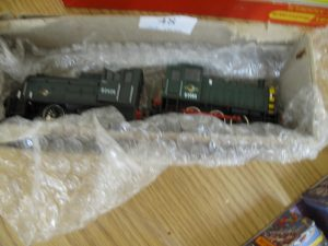 Lot 48 - 2 x OO Gauge Diesel Shunters by Bachmann and Hornby - Sold for £30
