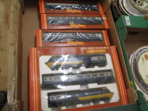 Lot 76 - Hornby Inter-City 125 3 pack train set and 3 extra coaches - Sold for £40