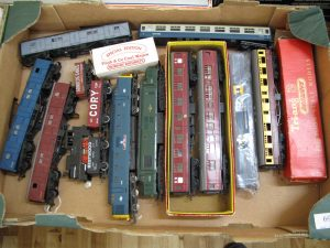 Lot 69 - Triang & Lima Diesel Locomotive, Coaches and Tracks - Sold for £80